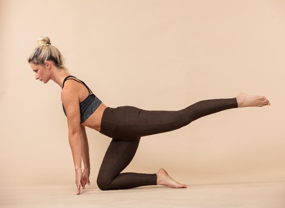 סטודיו יוניקס - שיעורי יוגה